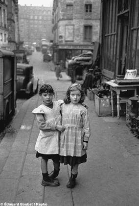Deux petites filles, Paris, France, 1952